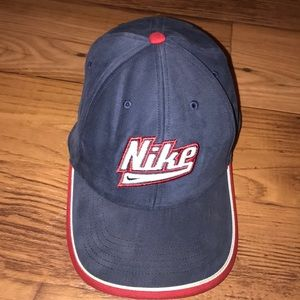 VINTAGE NIKE DAD HAT
